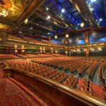 theaterzaal stoelen reiniging