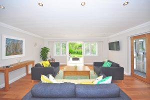 stoffen meubels thuis reinigen