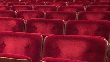 theater stoelen reinigen