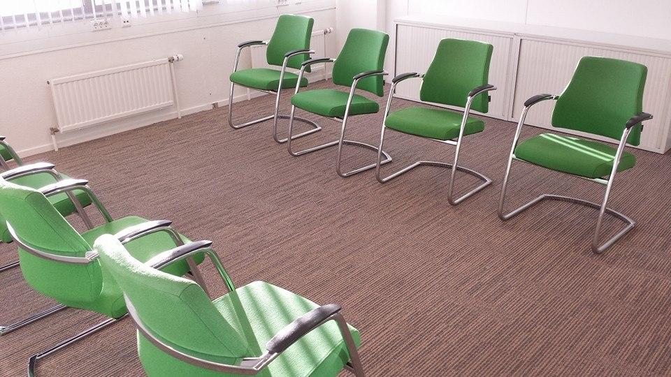 Kantoorstoelen reinigen op locatie abt cleaning for Kantoorstoelen