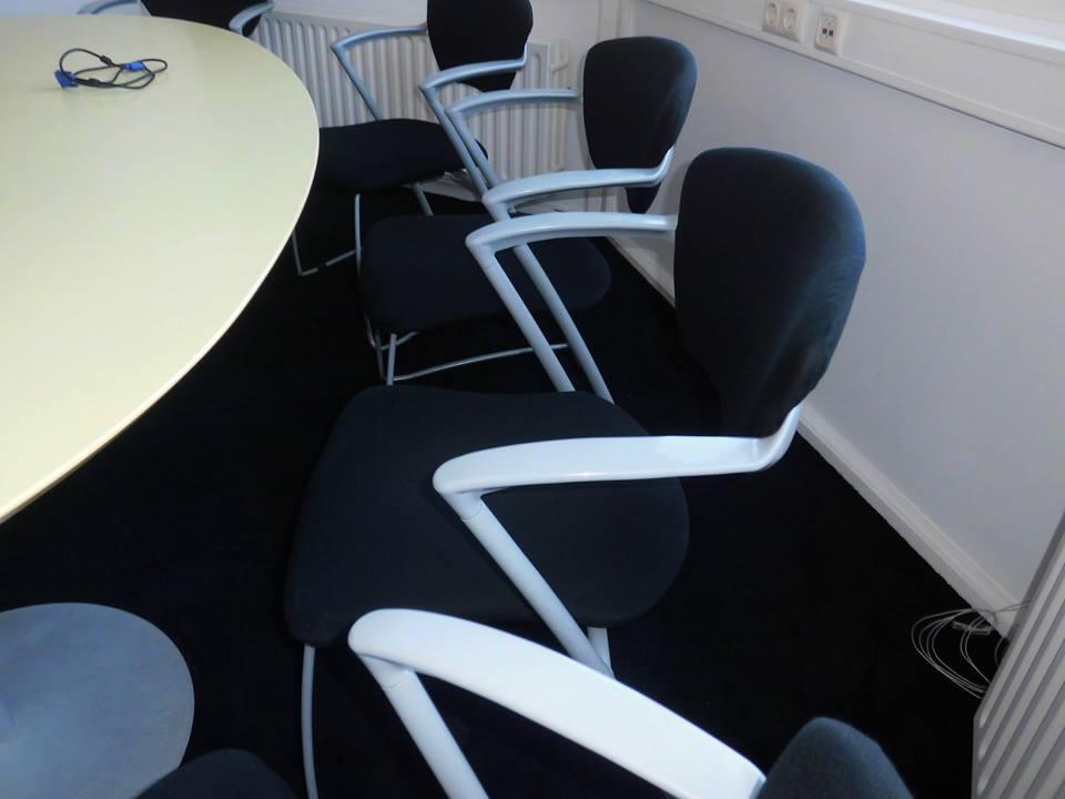 Kantoorstoelen reinigen rotterdam abt cleaning for Kantoorstoelen